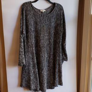 4/$25 Umgee Tunic black and grey XL